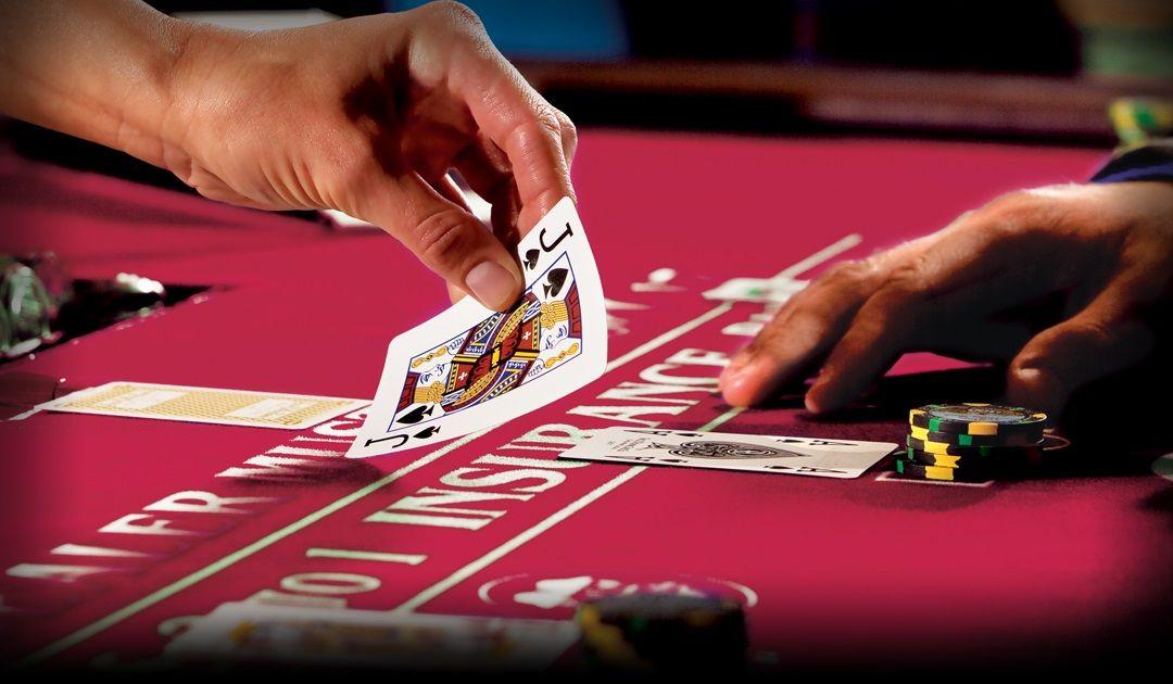 Mainkan permainan kasino poker